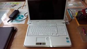 LIFEBOOK AH77/C(FMVA77CW)パソコンサポート