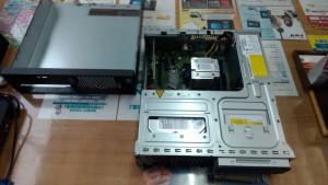PRIMERGY MX130 S2 SSD換装の為、分解
