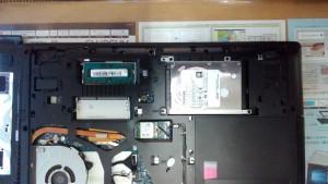 LENOVO G50 ハードディスク取り出し