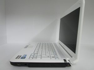 中古PC Lavie LE150/E
