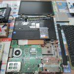 パソコン修理|小林市東方|TOSHIBA Satellite B451/E|CMOS電池交換により分解作業