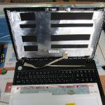 液晶パネル交換修理|都城市梅北町|e-machines E732Z-F22B|画面が真っ暗でほとんど何も見えない